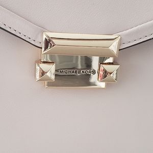 Michael Kors Bags - 🎁Mk Whitney Satchel🎁
